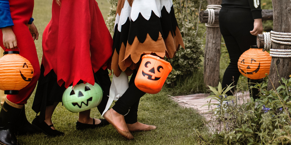 How To Have An Allergy-Friendly Halloween Feature Image