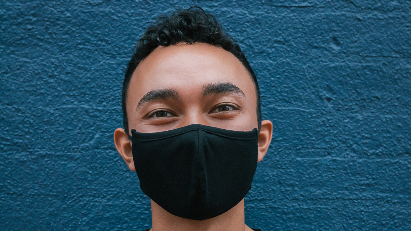 Elastic-free Face Masks May Help With Allergies Feature Image