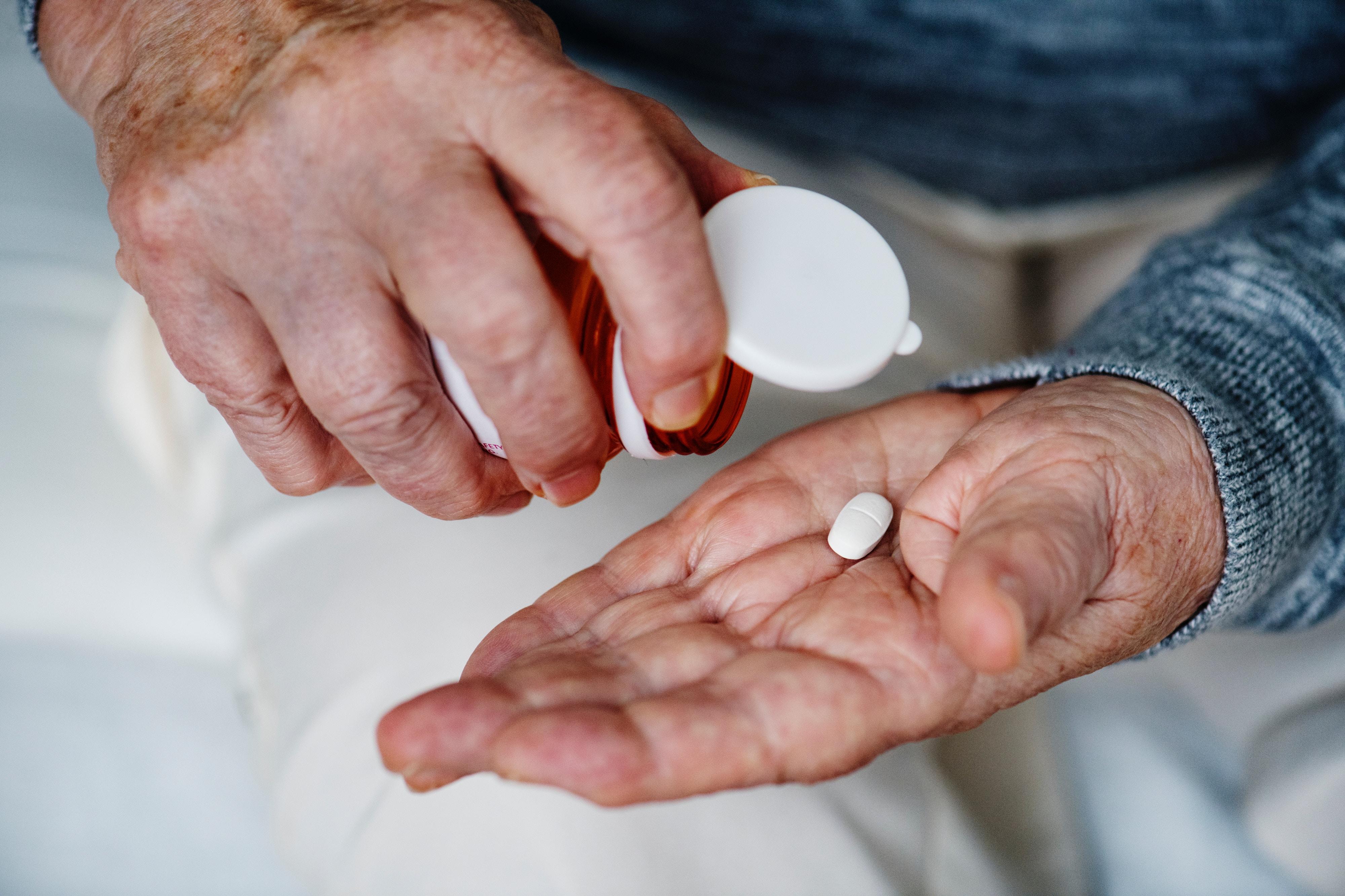 Amoxicillin Clavulanate or Cefaclor Feature Image